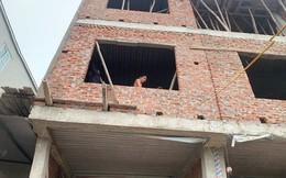 Với 160 triệu đồng, vợ chồng trẻ liều mình mua nhà 3 tầng Hà Nội khiến ai cũng sửng sốt và đây là trọn bộ bí quyết