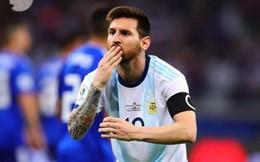 VAR giúp, Messi ghi bàn, thủ thành cản pen, ấy vậy mà Argentina vẫn lại gây thất vọng