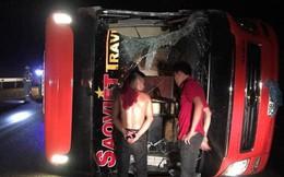 2 khách giường nằm Sao Việt va chạm trên cao tốc Nội Bài - Lào Cai, 3 người bị thương