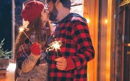 Lý do mọi người thường trao nhau nụ hôn đêm giao thừa