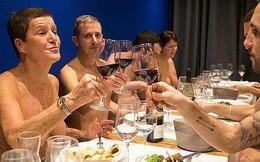 Yêu cầu thực khách khỏa thân mới được dùng bữa, nhà hàng Paris đóng cửa vì quá ế ẩm