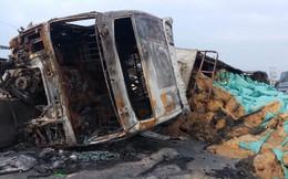 Xe container leo qua dải phân cách, bốc cháy dữ dội