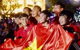 Phố đi bộ Nguyễn Huệ làm đường hoa, dân TP.HCM tập trung xem trận Việt Nam - Jordan ở đâu?