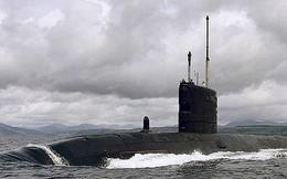 Tàu ngầm Anh suýt đâm phà chở khách gây tai nạn chết người