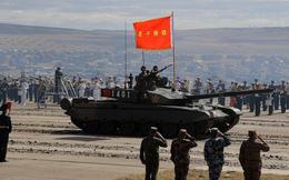 """Binh lính Trung Quốc """"đứng hình"""" vì xe tăng mới quá hiện đại?"""