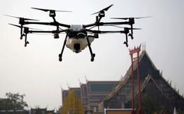 Bangkok lần đầu tiên sử dụng drone phun nước vào không khí để giảm bụi độc hại PM2.5