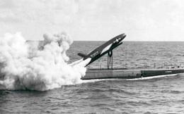 Bi hài chuyện bưu chính Mỹ cố gắng gửi thư bằng tên lửa