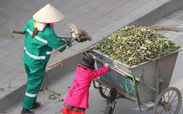 Sự thật sau bức ảnh cô bé giúp mẹ là công nhân vệ sinh đẩy xe rác ngày mùng 2 Tết khiến MXH ấm lòng