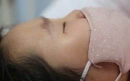 Bé gái 6 tuổi nhất quyết từ chối điều trị ung thư máu dù bệnh ngày càng nặng, đến khi hỏi được lý do ai nấy đều rơi nước mắt