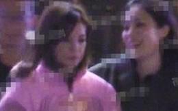 Đi giải khuây cùng bạn bè sau scandal ly thân chồng, Triệu Vy lại có thái độ gây chú ý