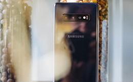 Mở hộp Galaxy S10  chính thức tại Việt Nam: Thiết kế cực đẹp, 3 camera sau, cảm biến vân tay dưới màn hình