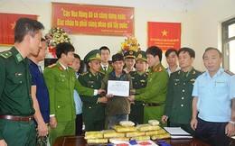 Bắt đối tượng người Lào vận chuyển 60.000 viên ma túy