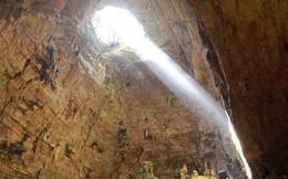 """Hang động dài nhất nước Ý: Được làm từ """"xác chết"""", luôn ngập ánh sáng 24/24 như có ma thuật"""