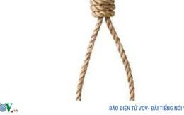 Nhân viên hoảng hốt phát hiện bảo vệ chết trong tư thế treo cổ