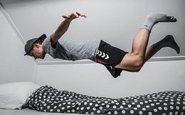 4 bước để bật dậy và bước xuống giường ngay lập tức khi chuông báo thức vang lên mỗi sáng: Ngủ nướng thêm vài phút, bạn mất cả một ngày!
