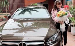 Chân dung mẹ bỉm chẳng phải 'chân dài' hay hot girl vẫn được chồng yêu chiều, tặng quà 8/3 là chiếc Mercedes 2,5 tỷ