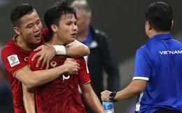 """Báo châu Á: Việt Nam lại thăng hạng trên bảng điểm FIFA, tiếp tục cho Thái Lan chạy theo """"hít khói"""""""