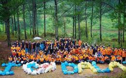 """Tạp chí nước ngoài đăng ảnh 30 màn """"thử thách dọn rác"""" xuất sắc nhất, trong đó có cả nhóm bạn tại Việt Nam"""