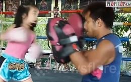 Video: Bé 5 tuổi đáng yêu 'đấu' Muay Thái cùng cha