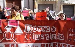 Người dân phẫn nộ vì tòa án Italy cho rằng nạn nhân quá xấu xí nên không thể bị cưỡng hiếp