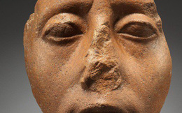 """Kẻ trộm mộ và """"lời nguyền"""" lên các pho tượng mất mũi"""