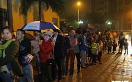 Ảnh: Dân Bắc Ninh đổ lên Hà Nội, xếp hàng từ 3h chờ xét nghiệm sán lợn