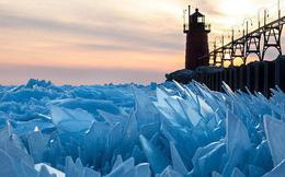"""Mặt hồ đóng băng vỡ thành hàng triệu mảnh, dân mạng băn khoăn: """"Frozen đời thực hay gì?"""""""