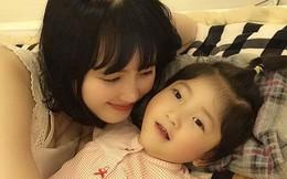 'Em bé Lào Cai' tái xuất bên mẹ nuôi Thanh Tâm, ai cũng bất ngờ vì cô bé càng lớn càng khác lạ