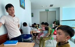 Em nhập viện cấp cứu, anh trai 13 tuổi đạp xe đạp từ Sơn La xuống Hà Nội thăm