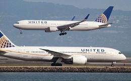 Máy bay United Airlines hạ cánh khẩn cấp do mùi lạ
