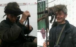 Cận cảnh mái tóc 54 năm không một lần cắt của ông lão 77 tuổi