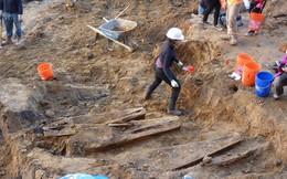 Đào phải hàng trăm ngôi mộ cổ khi làm móng xây chung cư