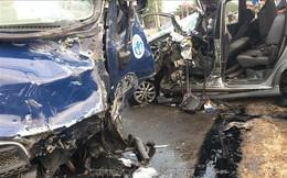Xe tải chở vịt tông xe 7 chỗ, 4 người bị thương