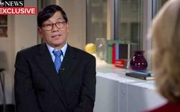 Bác sỹ gốc Việt lần đầu lên tiếng sau sự cố bị kéo lê trên máy bay
