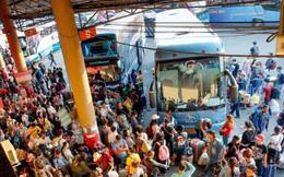 """Dòng người ùn ùn đổ về Thái Lan dịp lễ Songkran, """"7 ngày nguy hiểm"""" bắt đầu"""