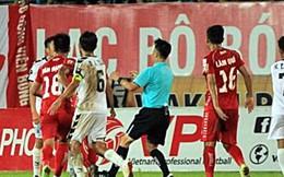 Từ sao trẻ Hà Nội đến bạo lực V.League: 'Đá láo, cho nghỉ'!