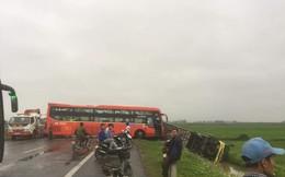 4 xe ô tô tông liên hoàn trên đường dẫn cao tốc Ninh Bình - Hà Nội