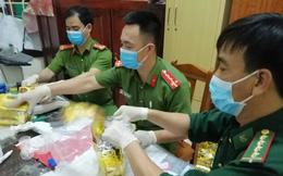 Công an tiết lộ quá trình kiểm đếm 700kg ma túy thu bên vệ đường