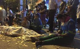 'Xe điên' tông liên hoàn ở Hà Nội: Con trai gào khóc bên thi thể nữ công nhân môi trường