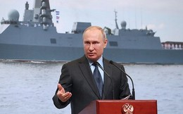 Tổng thống Putin tham dự lễ hạ thủy hai tàu khu trục ở miền bắc nước Nga
