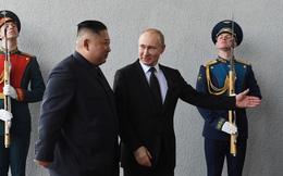 Giải mã ngôn ngữ cơ thể của hai nhà lãnh đạo Nga-Triều tại Hội nghị Vladivostok