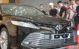 Chuyển sang nhập khẩu, Toyota Camry 2019 rẻ hơn 70 triệu đồng