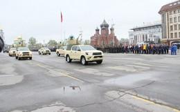 """Bất ngờ lớn khi đặc nhiệm Nga cũng tin dùng """"chiến xa bán tải"""" Toyota Hilux"""
