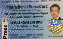 """Thẻ """"nhà báo quốc tế"""" của Lê Hoàng Anh Tuấn giá chỉ... hơn 4 triệu đồng"""