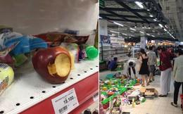 Sốc với cảnh tượng còn sót lại sau khi người dân săn đồ giảm 50% nhân dịp chuỗi siêu thị Auchan rời khỏi Việt Nam