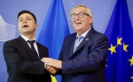 Ukraine: Tổng thống Zelensky thăm EU và NATO. Đi Tây, nhắn Đông