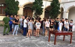 Hàng chục 'dân chơi' mở tiệc ma tuý mừng sinh nhật trong quán karaoke