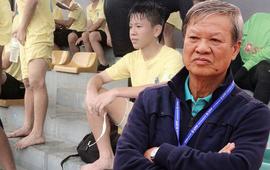 """Vụ HLV Việt dọa """"cắt gân chân"""" cầu thủ trẻ: """"Đừng là vai u, thịt bắp, mồ hôi dầu"""""""