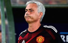 Nỗi đau 14 năm trời chưa dứt của Mourinho