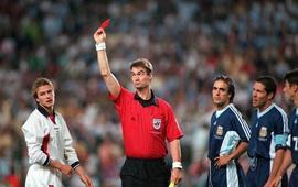Simeone xát muối vào tấm thẻ đỏ oan nghiệt của Beckham